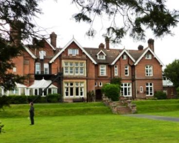 Pilgrim hall - web picture